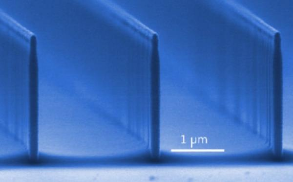 • Flagship phase 1 : Nanophotonique : nano-objets pour le contrôle de l'énergie / Nanophotonics: Nano-objects for energy control